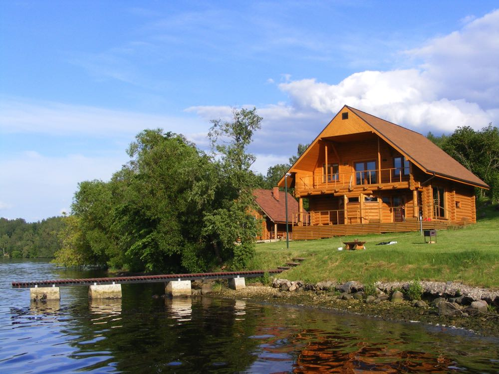 Fly Fishing River Lodge in Oregon