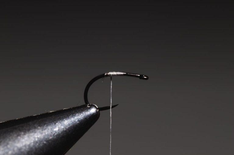 how to tie a caddis_emerger_step-2