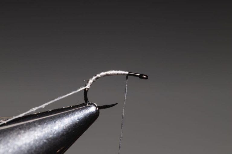 how to tie a caddis_emerger_step-4