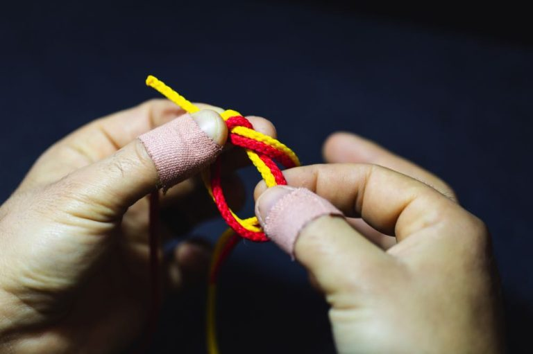 surgeon's knot_step3