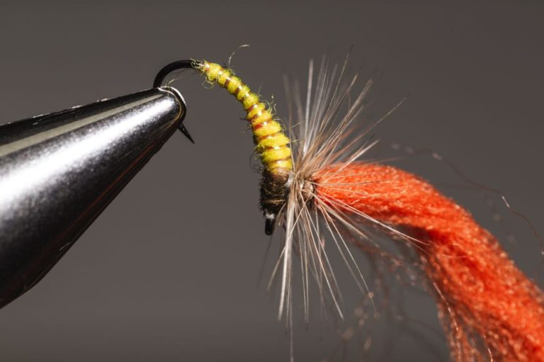 tying a Klinkhammer_step-17