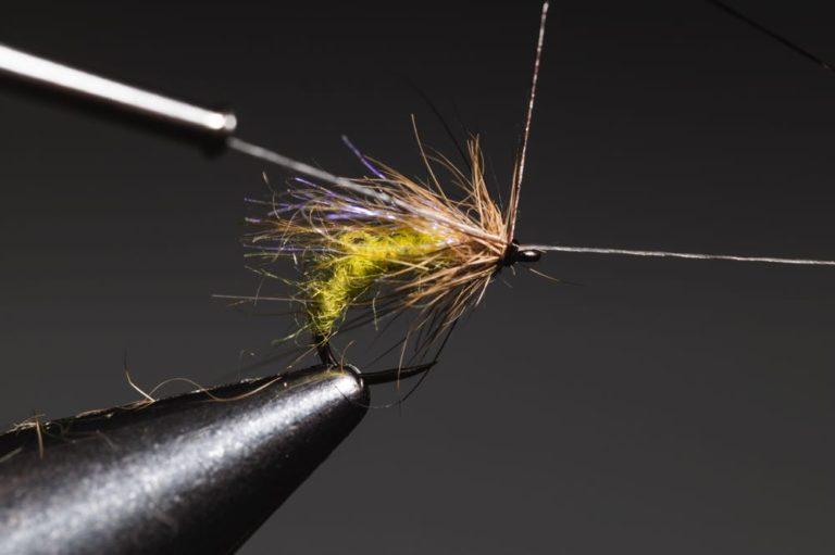 tying a caddis_emerger_step-12