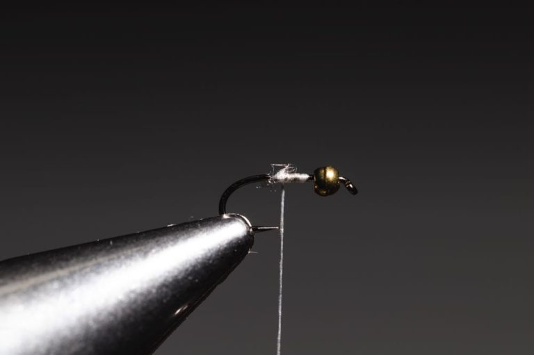 how to tie a Gold Ribbed Hare_s Ear step-3
