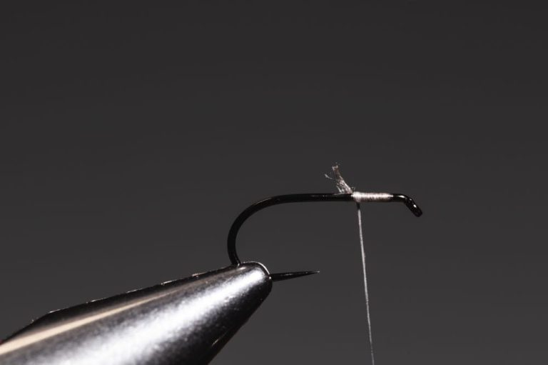 how to tie a soft hackle-2