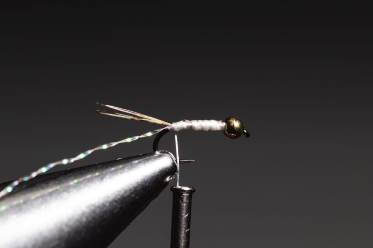 learn to tie a Gold Ribbed Hare_s Ear step-7