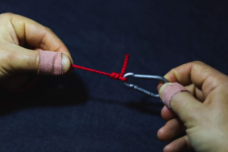 tying a clinch knot step 7