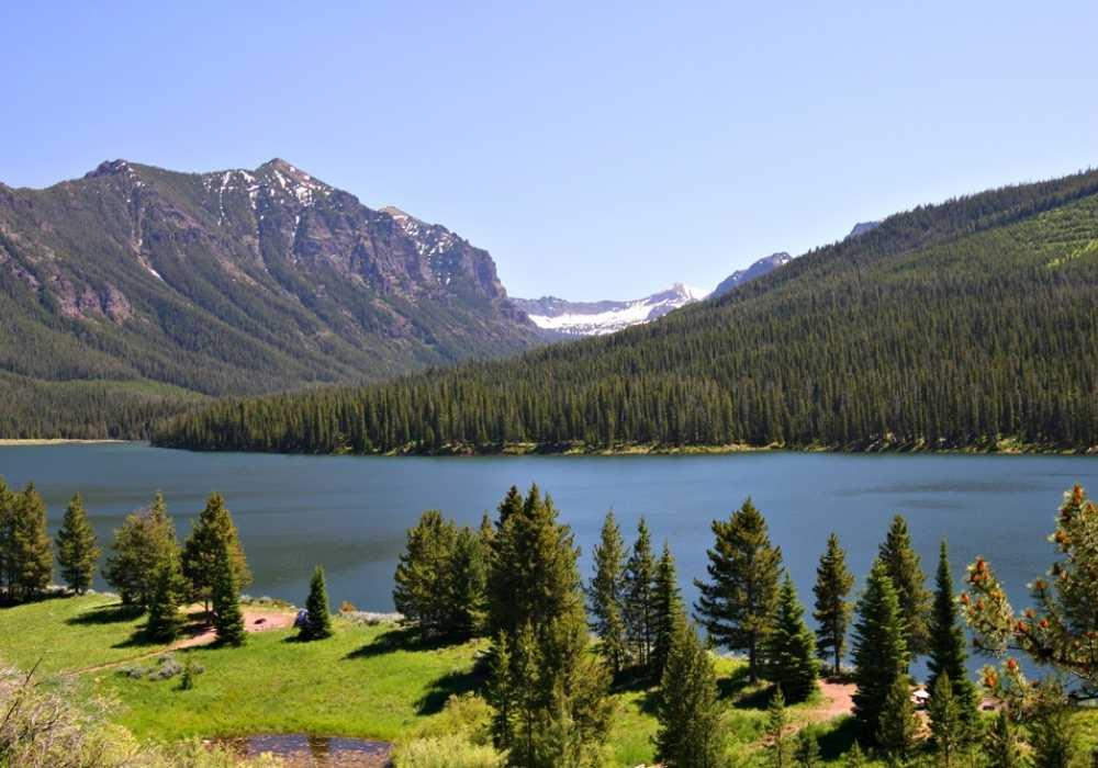 The beautiful Highlite Lake at Gallatin National Forest, Bozeman, Montana.