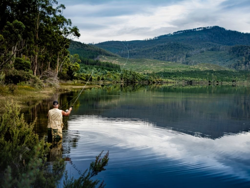 Fly Fishing in Tasmania on Lake Repluse. Hoping to catch a trout