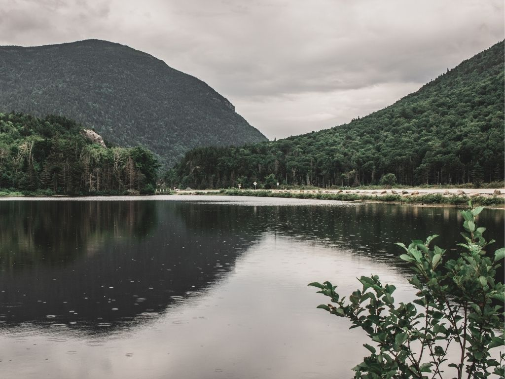 a beautiful lake in New Hampshire for fly fishing