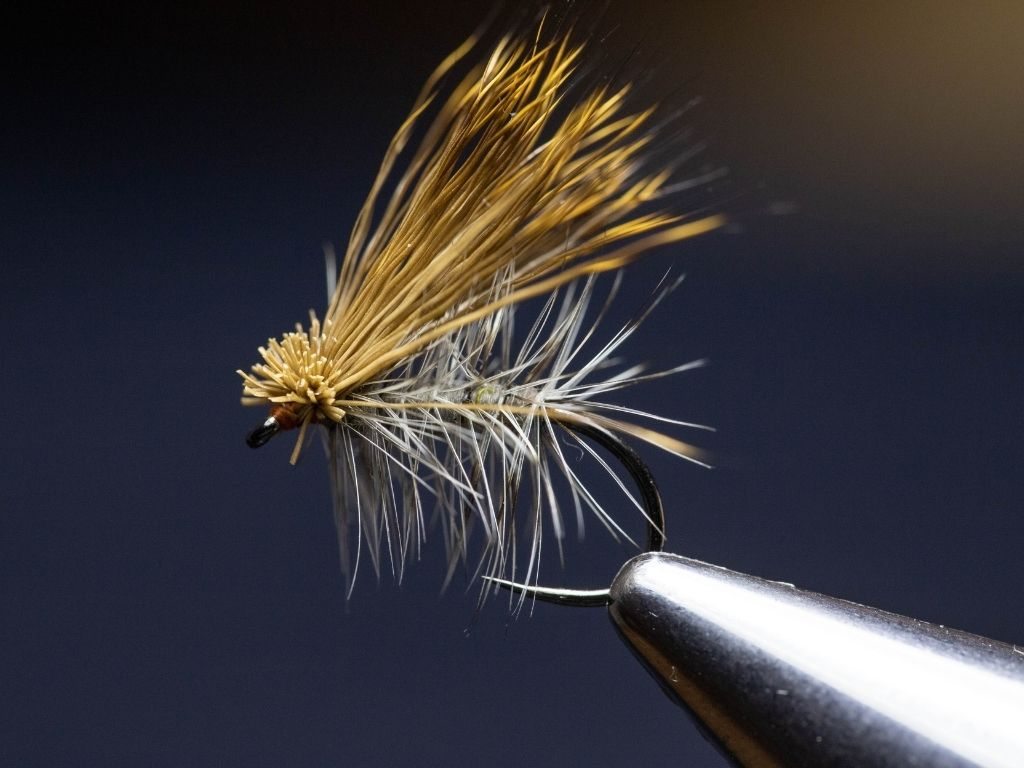 how to tie the elk hair caddis fly