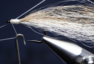 how to tie the RS2 fly tying tutorial