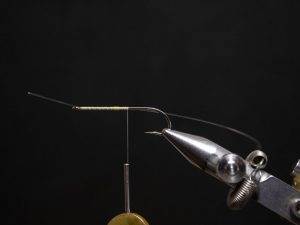 how to tie a gurgler fly step 4